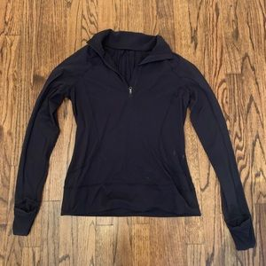 black lululemon pullover